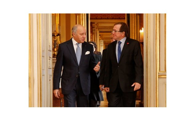 Mr Laurent Fabius and Mr Murray McCully meet in Paris, March 2015
